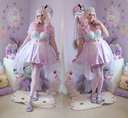 PastelKawaii Barbie - Wig Is Fashion Lavender Pink Fade, Ebay Mint/Lavender Rose Crown, Handmade Pearl Chain Band, Hot Topic Heart Choker, Reussi Seashell Swim Top, Thifted Heart Waist Belt, Kawaii Goods Seashell Cult Skirt, Ebay Lavender Peignoir, Sock Dreams Pink Stockings, Minky Shop Lavender Tea Parties Shoes - MerBabe Princess