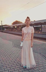 Tram Anh - Gamiss Shirt, Skirt, Vera Wang Purse, Unützer Ballet Flats - The unidirectional nature of time