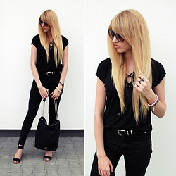 Diane Fashion -  - Total black look