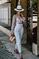 Andreea Birsan - White Peg Trousers, Gucci Hot Pink Horsebit Loafers, Mini Tote Bag, Pink Gingham Crop Top, Silk Robe, Straw Panama Hat, Clear Lens Glasses, Layered Necklaces - The vichy crop top