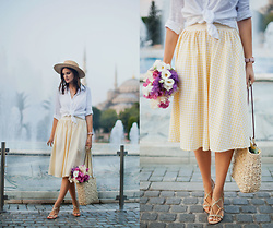 Viktoriya Sener - Romwe Skirt - YELLOW SKIRT