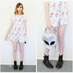 Rachel-Marie - Romwe Donuts Print Random Dungaree Shorts, Unbranded Tattoo Choker, Romwe Basic White T Shirt, Romwe Iridescent Alien Shaped Pu Backpack, Unbranded Black Lace Up Martin Boots - Pastel Trippin'