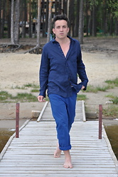 Pawel - Uniqlo Linen Shirt, Hugo Boss Trousers - Blue.