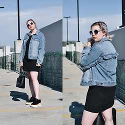 Elizabeth Claire - Whowhatwear X Target Ruffle Denim Jacket, Zara Black And White Dress With Collar, Public Desire Black Flatforms, Target Black Ring Bag, River Island White Cat Eye Sunglasses - Can't Stop Won't Stop