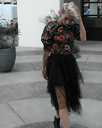 Jessica Hayes - Forever 21 Tiered Tulle Skirt, H&M Floral Puff Sleeve Top, Steve Madden Boots - Ready for Fall