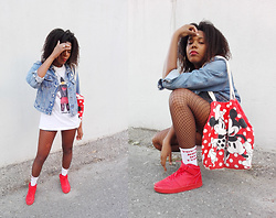 Yara Snow'z - New Yorker Red Sneackers, Red Disney Bag, Pull & Bear White Socks, Adidas Oversized White Tshirt - You'r not her type part II