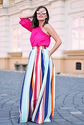 Caterina Rățoi - Bershka Off Shoulder Blouse, Woman Fashion Long Striped Skirt - Summer Look