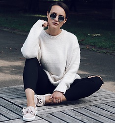 Nera K - Zara Sweatee, H&M Pants, Oxmox Shoes - Sweater weather
