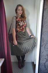 Sarah M - Aliexpress Shirt, Dailylook Bag, Primark Pleated Skirt, Pikolinos Booties - Burgundy and Metalic Olive
