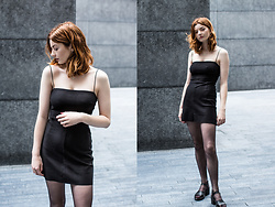 Hannah Louise - Urban Outfitters Lbd, Topshop Sandals - The LBD