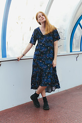 Frida Sjöberg - Monki Dress, Dr. Martens Boots - Stars