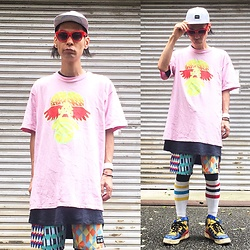 @KiD - Rvca Marble Pattern Cap, Cassette Playa Electro Pink Tee, Rvca Crazy Pattern Shorts, Funk Plus White Bracelet, Adidas Crazy Pattern Shoes - Japanese Trash181