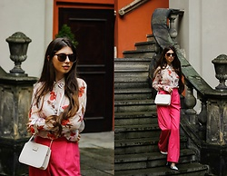 Ramona Crisstea - Bag, Shirt, Sunglasses, Pants, Shoes - Time passes