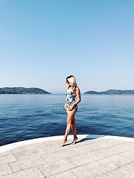 Nastassja Oleinik - Dolce & Gabbana Swimwear - Walking on the water