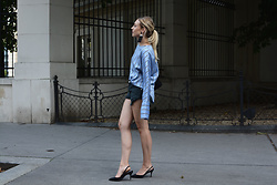Laura⎢Les factory Femmes - Mango Top, Revolve Shorts, Zara Pumps - Shorts in the city