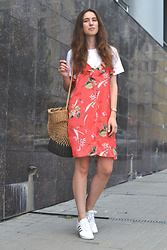 Olga Dupakova - Mango Dress, Oysho Bag, Adidas Sneakers - Summer uniform