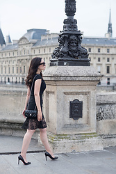 Cee F. -  - On Pont-Neuf, I ran into my former self...