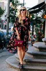 Meagan Brandon - Floral Kimono, Gucci Belt, Saint Laurent High School Bag, Similar Slides Under $100 - Dark Floral Print for Fall