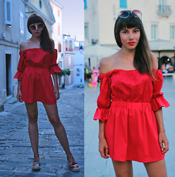 Jointy&Croissanty © -  - Red bardot dress