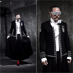 INWON LEE - Byther Metal Tassel Open Blazer, Byther Dark Wide Skirt, Byther Studded Sunglasses - Gothic Black
