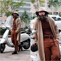 INWON LEE - Byther Burning Damaged Vintage Fedora, Byther Long Loose Knit Cardigan, Byther Roll Up Detail Close Crop Slacks - Colors of Autumn