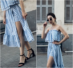 Theoni Argyropoulou - Shein Striped Ruffled Top, Shein Striped Skort, Bershka Sandals, Pull & Bear Sunglasses, H&M Necklace - Stripe Co-ord love on somethingvogue.com