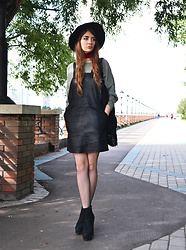 Alexandra M. - Rosegal Faux Leather Suspender Skirt, Rosegal Fishnet Tights, Rosegal Velvet Choker Necklace, Rosegal Pearl Felt Floppy Hat - Cross my mind