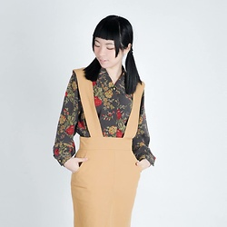 Flosmoony - Dottori Vintage Red Flowered Black Shirt, Dottori Vintage Mustard Skirt - Little lady