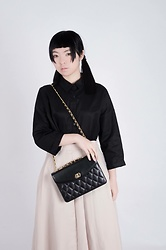 Flosmoony - Black Shirt, Dottori Vintage Nude Colour Skirt, Dottori Vintage Quilted Handbag - Show off