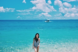 Stephanie Lim - Khong Boon Swimwear Prints, Zerouv Reflective Aviators - As Blue As I Can Sea | www.stephanielim.net