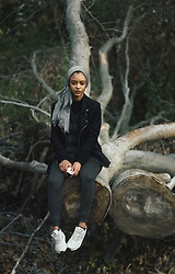 Arus Ssah - Nike Shoes, H&M Leggings, Pacsun Jacket, Modanisa Hijab - Casual fall look
