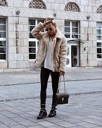 Romina M. - Louis Vuitton Bag, H&M Teddy Jacket, Ray Ban Sunnies - Teddy Moment