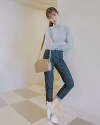 Tricia Gosingtian - Uniqlo Top, Uniqlo Jeans, A.P.C. Bag, Purple Sole Shoes - 090817