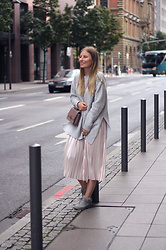 Sarah F -  - Culotte and oversized Pullover