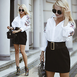 Daria Darenia -  - Embroidered Shirt