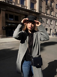 Liva Bambale - Zara Black Bag, H&M Grey Coat, H&M Black Hoodie, Asos Baker Boy Hat, H&M Blue Jeans - Still got time