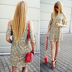 Diane Fashion -  - Floral dress ||| leather sandals Zara