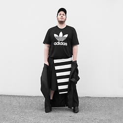 Wyatt Morgan - Adidas Logo Short, Selfdesigned Stripes Kilt, Weekday Coat - 14 09