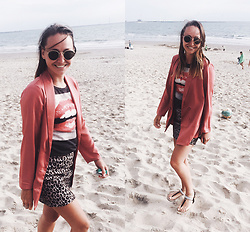 Magna G. - Www.Lovebeingpetite.Com - Pink satin blazer to the beach
