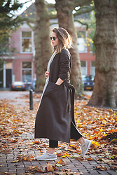 Christine R. - Ray Ban Sunglasses, & Other Stories Coat, New Balance Sneakers - Maxi coat