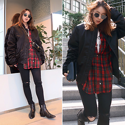 Rekay Style - Acne Studios Bomber Jacket, Ralph Lauren Check Shirt, Mother Black Skinny, Chloe Chain Bag, Isabel Marant Ankle Boots - ACNE Bomber Jacket