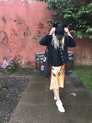 Syla Sassowna - Asos Mermaid Skirt, Topshop Denim Jacket, H&M Mickey's ? - Hey Mickey!