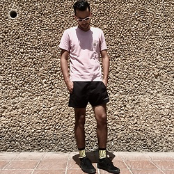 Mohamed Samaras - Ray Ban Wayfarer, Carhartt T Shirt, Champion Short, Gosharubchinskiy Socks, Vansskate Oldskool - Prioritizing yourself isn't a luxury, it's a necessity