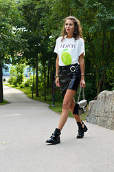 Isabella Pozzi - Zaful Printed Tee - Zaful Tee & Patent Leather