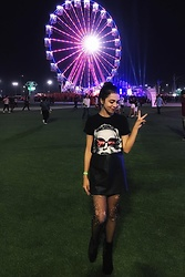 Michele Wéllida - Lady Gaga T Shirt, Woozi Brand Leather Skirt, Schutz Black Boots - Rock in Rio day 1