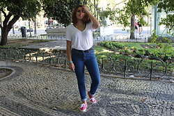 "Ana Margarida - Stradivarius White Tshirt, Vans - ""WITH CONFIDENCE, YOU HAVE WON BEFORE YOU HAVE STARTED."""