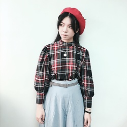 Flosmoony - Bershka Checked Top, Dottori Vintage Blue Skirt, Handmade Hat - Latest icon ?