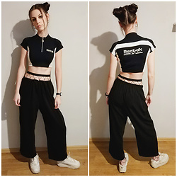 Klaudia - Reebok Crop Top - Sporty friday