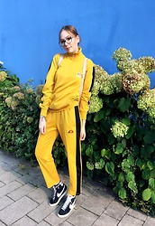 Karina Bogdan - Ellesse Sweater, Ellesse Pants, Dkny Backpack, Furla Glasses, Nike Sneakers, Michael Kors Watch, Regal Rose Rings - FIRE.