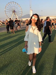 Michele Wéllida - Farm Denim Dress, Converse White, Christian Dior Sunglasses - Rock in Rio day 2
